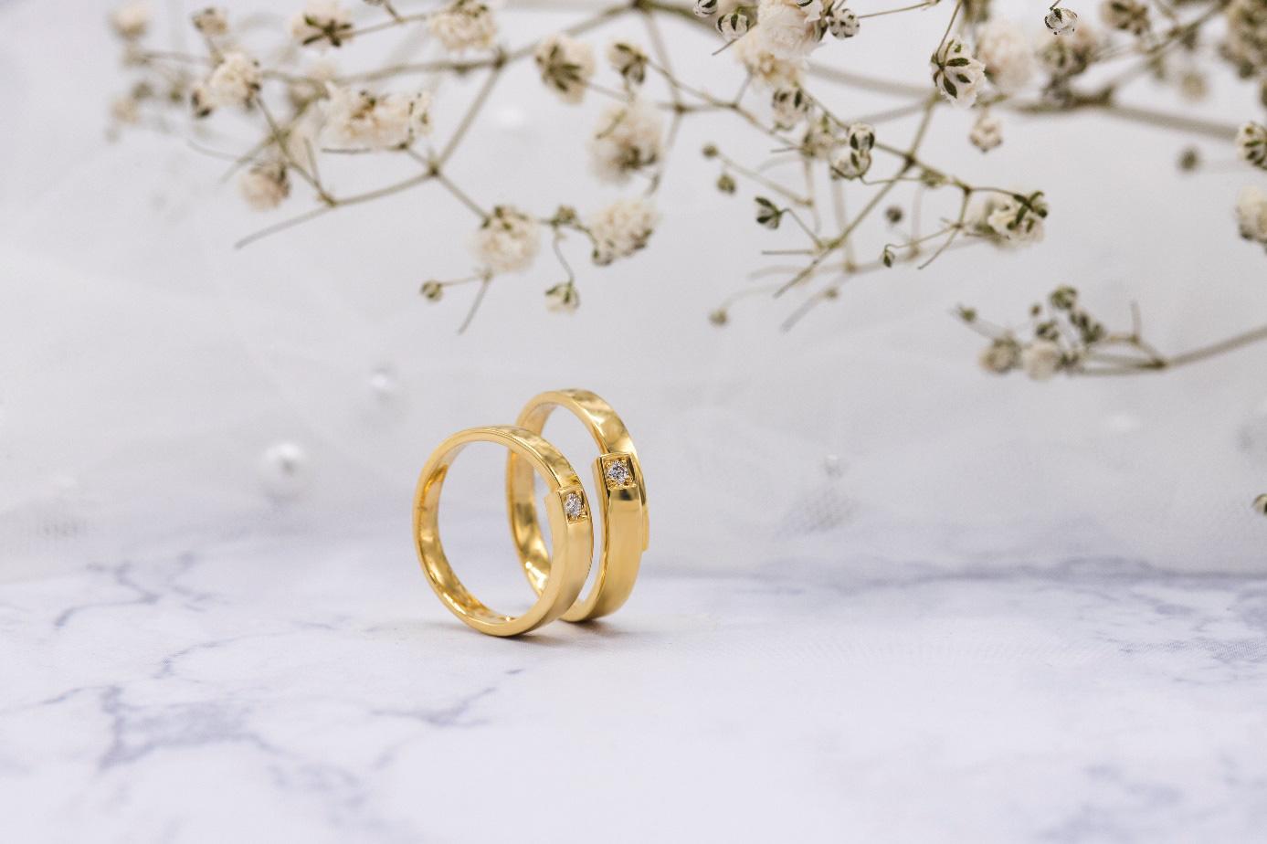 Xu hướng nhẫn cưới đơn giản và tinh tế lên ngôi đầu năm 2021 - Ảnh 3.