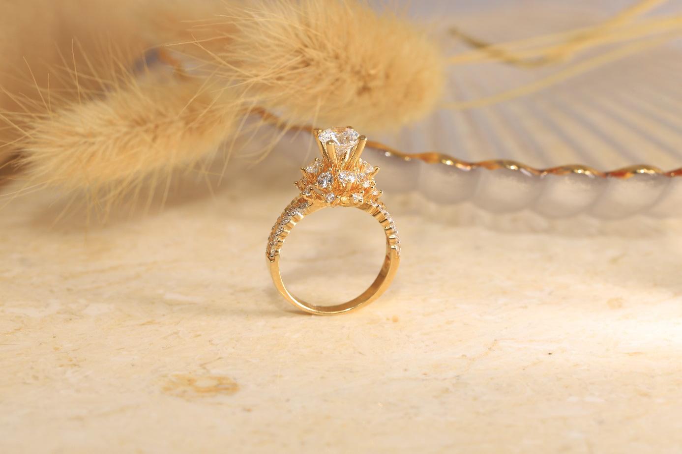 Xu hướng nhẫn cưới đơn giản và tinh tế lên ngôi đầu năm 2021 - Ảnh 6.