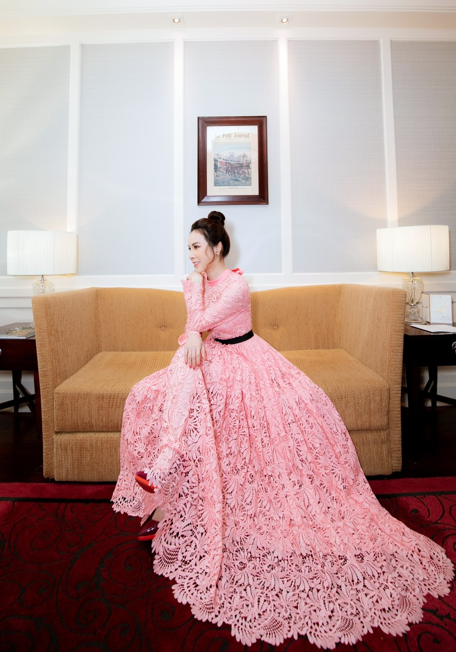 Hoa hậu Áo dài Hoàng Dung thử thách 100 ngày 100 Outfits hàng hiệu - Ảnh 14.