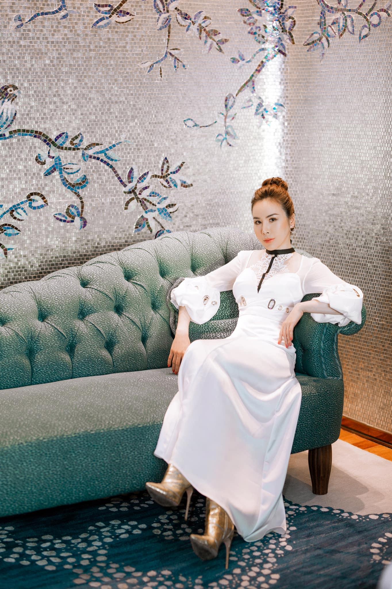 Hoa hậu Áo dài Hoàng Dung thử thách 100 ngày 100 Outfits hàng hiệu - Ảnh 15.