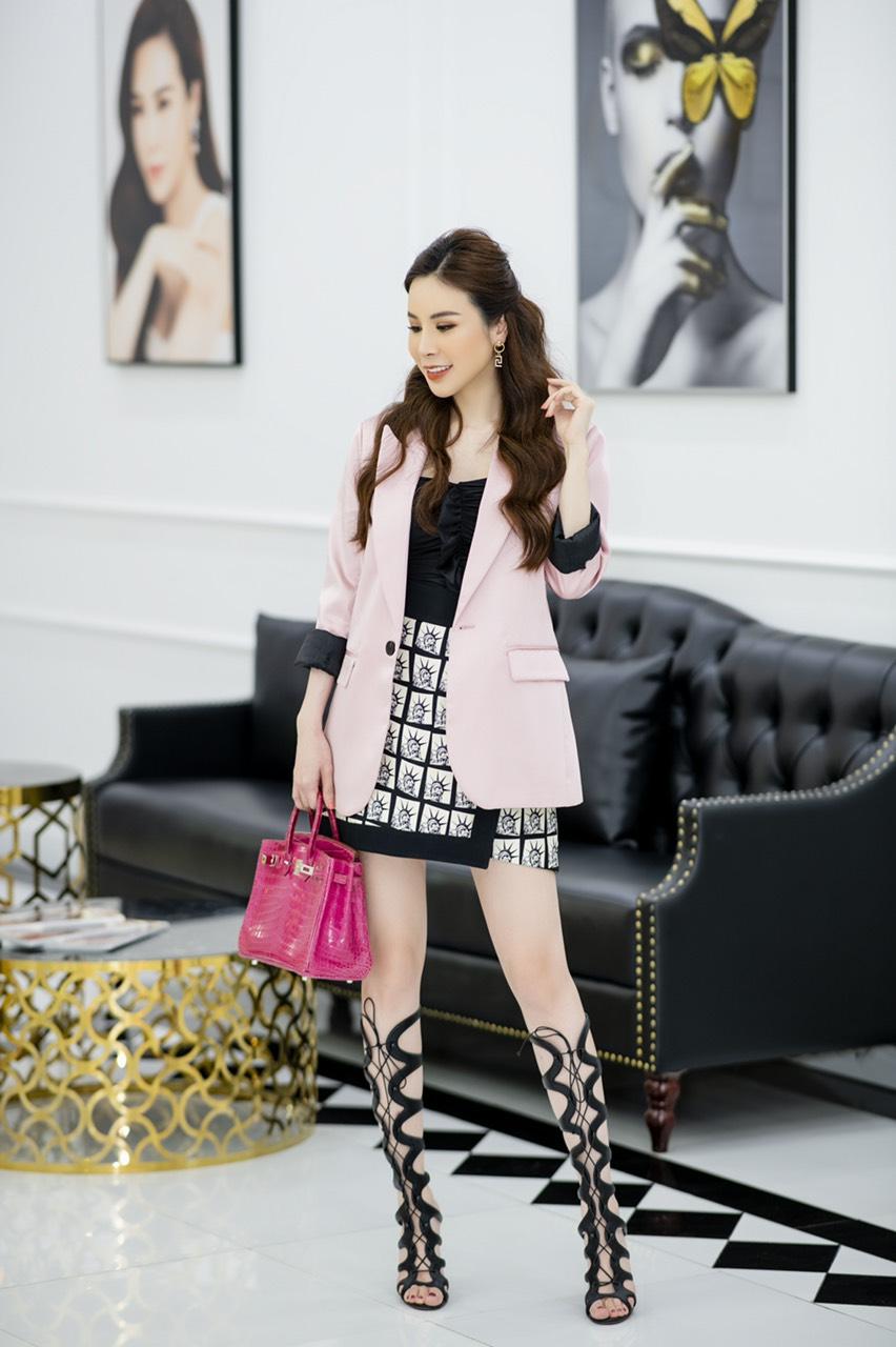 Hoa hậu Áo dài Hoàng Dung thử thách 100 ngày 100 Outfits hàng hiệu - Ảnh 5.