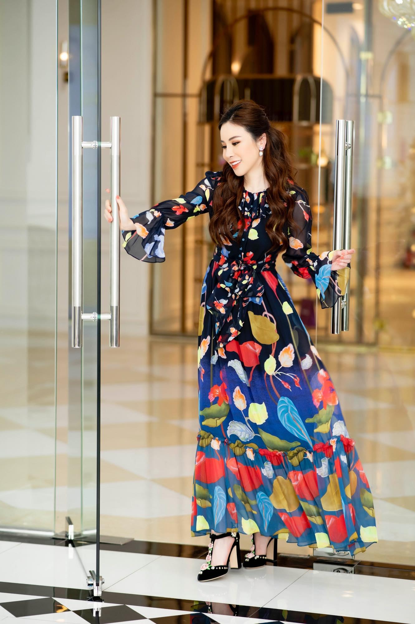 Hoa hậu Áo dài Hoàng Dung thử thách 100 ngày 100 Outfits hàng hiệu - Ảnh 9.