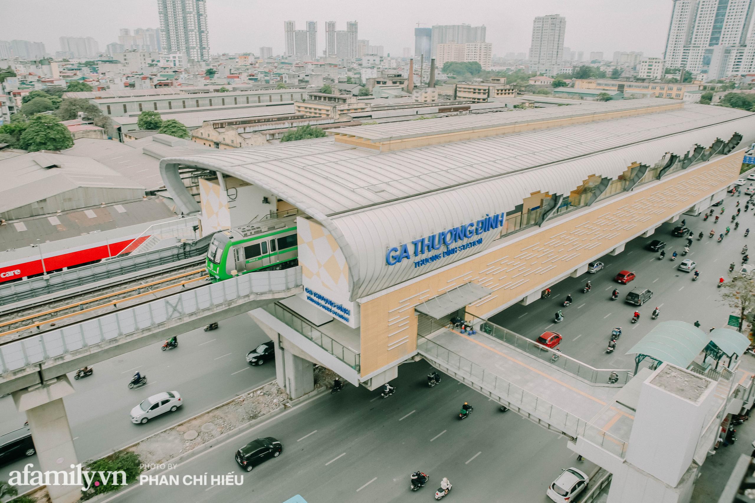 Tuyến đường sắt Cát Linh- Hà Đông đẹp cỡ nào mà được nhiều reviewer khen hết lời, lại còn rủ nhau đi mua vest để chuẩn bị đi thử trong năm 2021 - Ảnh 4.