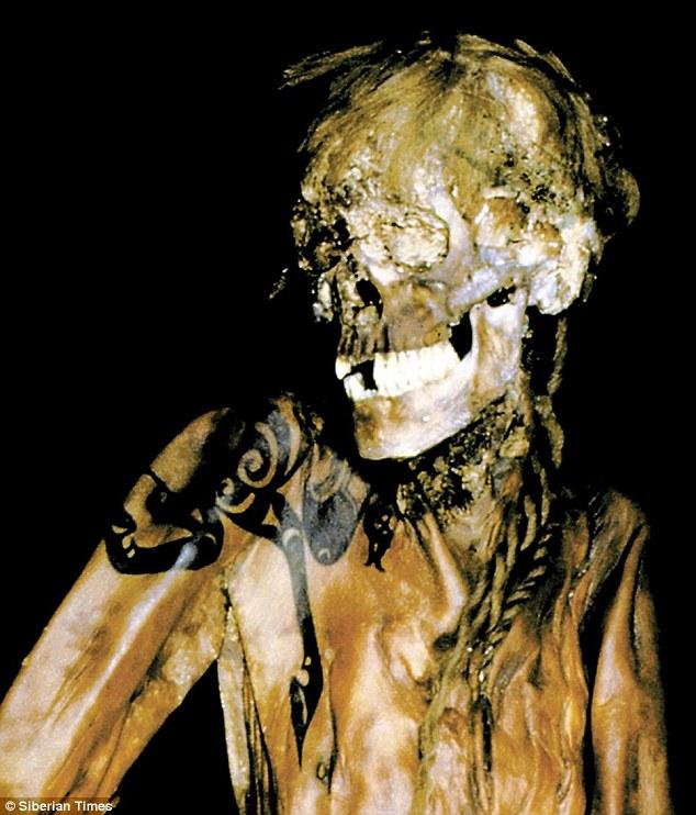 Xác ướp công chúa 2.500 tuổi có hình xăm điệu nghệ rất giống hiện đại khiến khoa học bối rối, người dân cương quyết không cho công khai ảnh lên truyền thông với lý do khó hiểu - Ảnh 8.