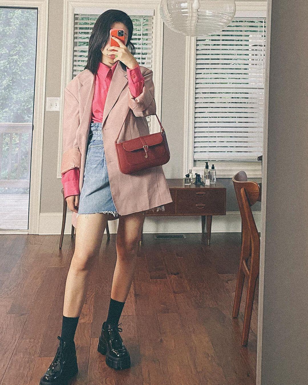 Mix & Phối - Diện chân váy dài mãi chán rồi, Tết đến chị em hãy sắm 5 kiểu chân váy ngắn này cho trẻ trung và tôn dáng - chanvaydep.net 2