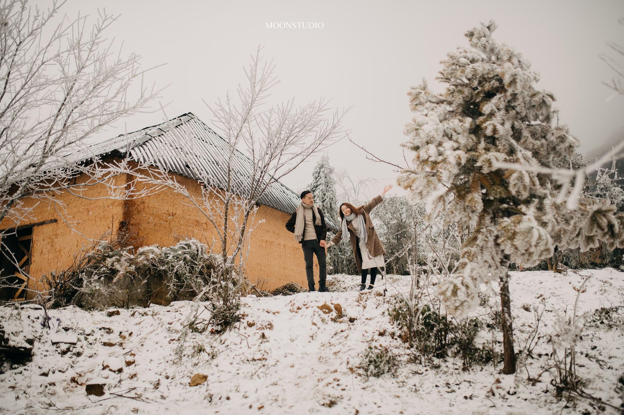 Mê mẩn với bộ ảnh cưới trong tuyết của cặp đôi may mắn, dù váy cưới cô dâu bị đóng băng do quá lạnh - Ảnh 4.