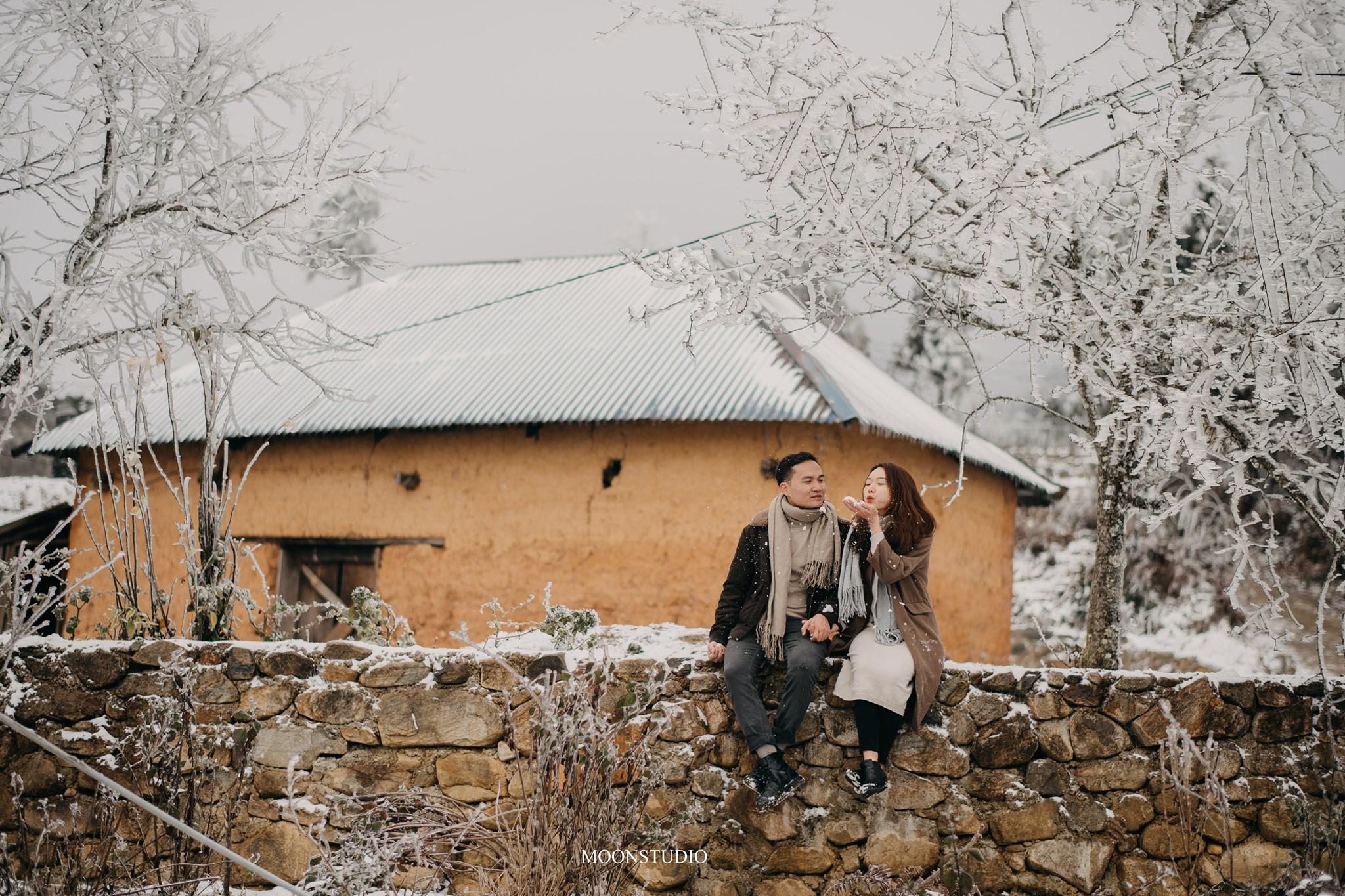 Mê mẩn với bộ ảnh cưới trong tuyết của cặp đôi may mắn, dù váy cưới cô dâu bị đóng băng do quá lạnh - Ảnh 5.