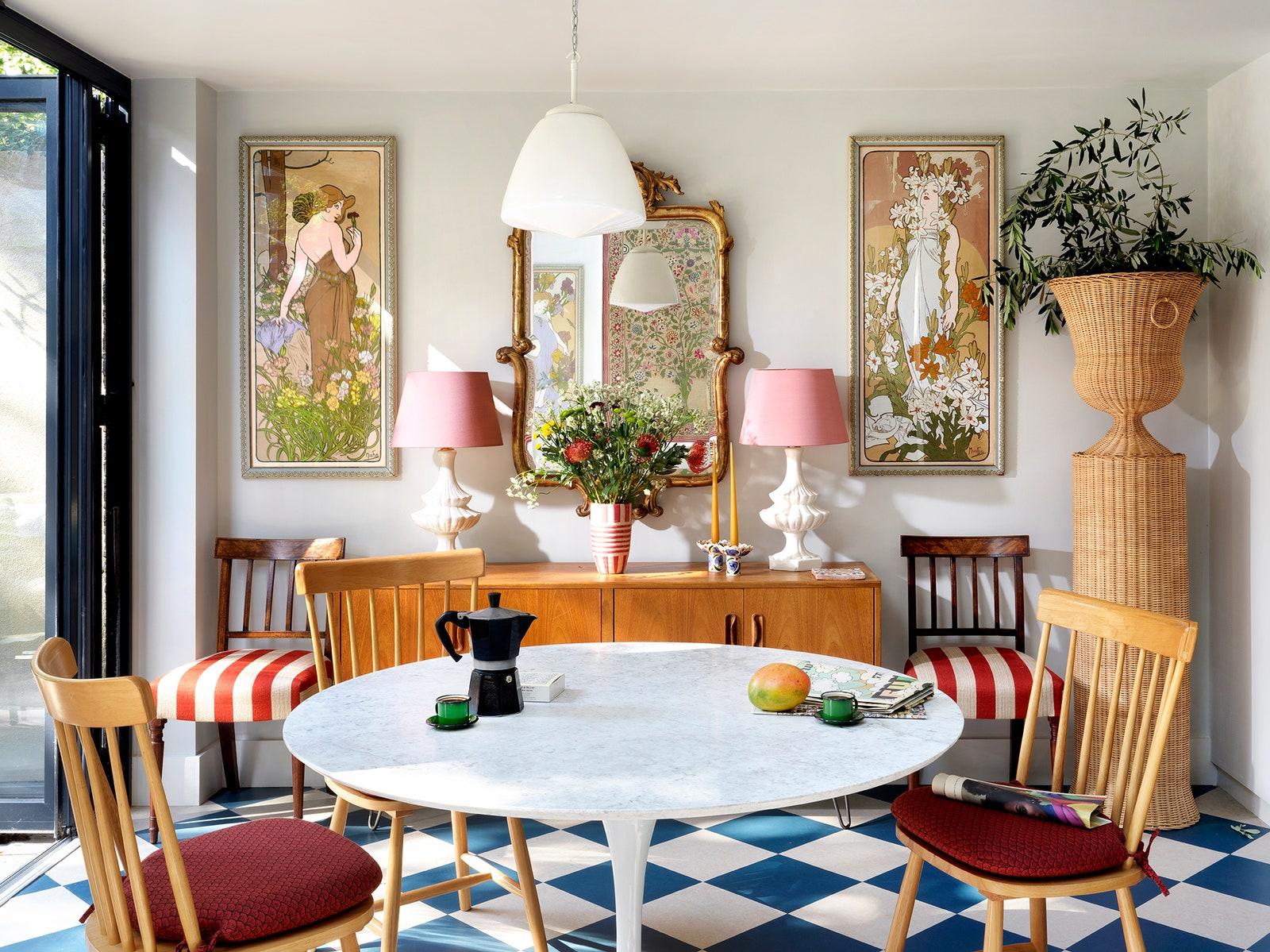 Nhà phố có không gian sống 3 trong 1 cực ấn tượng với decor màu ngập tràn sắc xuân - Ảnh 3.