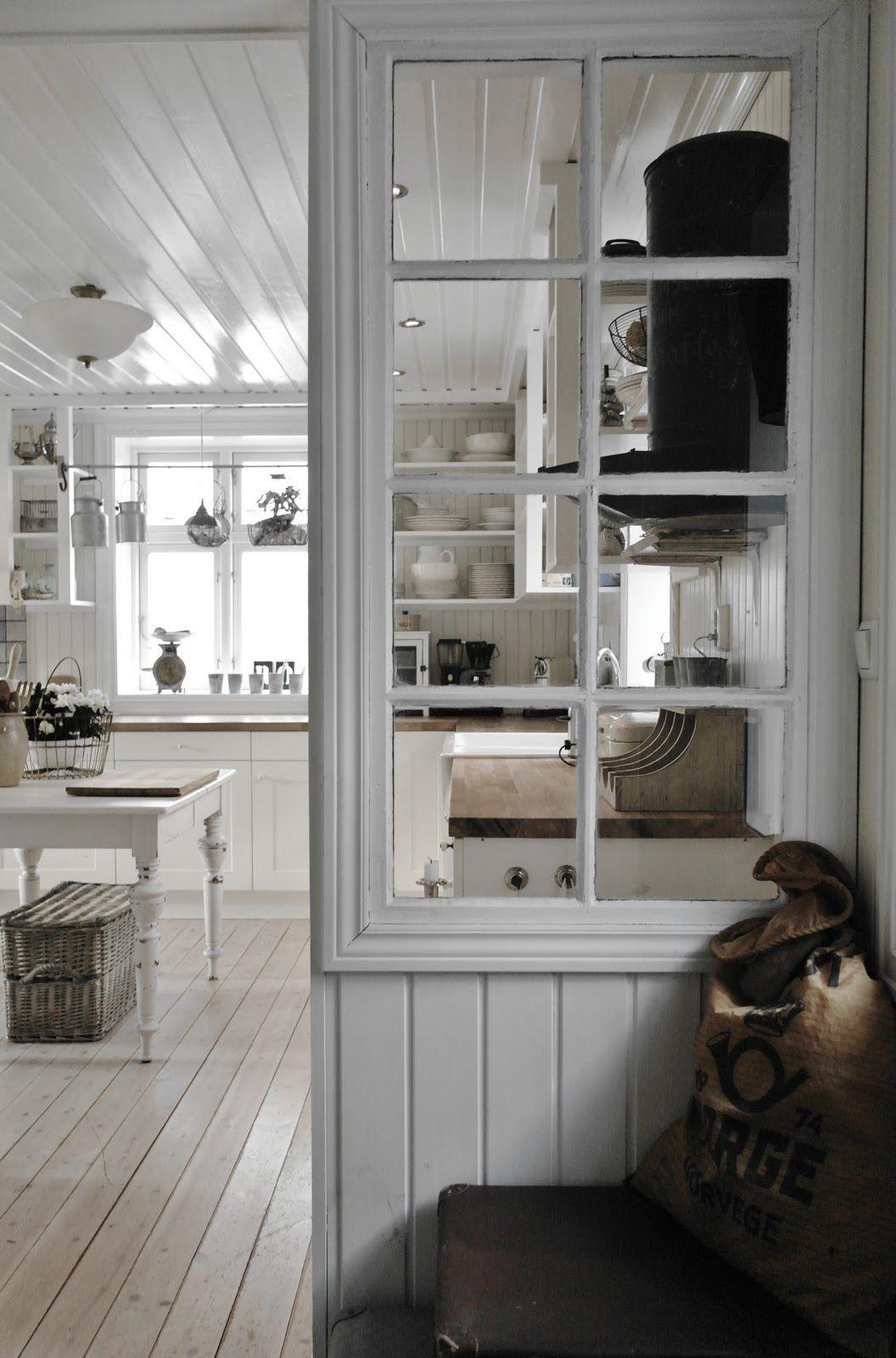 Mẹo tái sử dụng khung cửa sổ cũ trong trang trí và lưu trữ - Ảnh 7.