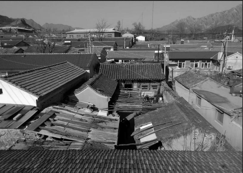 Căn nhà của miền ký ức đẹp bình yên sau cải tạo không gian sập sệ giữa lòng thủ đô - Ảnh 1.