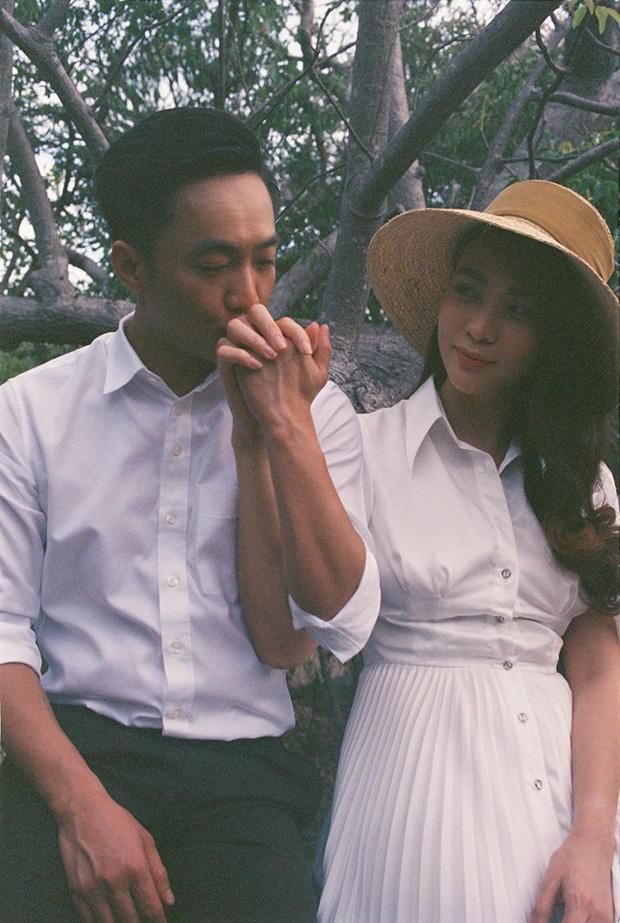 """2 cặp đôi siêu hot của Vbiz: Cường Đô La - Thu Trang đơn giản nhưng vẫn """"xịn xò"""" , Hà Hồ - Kim Lý lên đồ thế nào mà hút fan vậy? - Ảnh 1."""