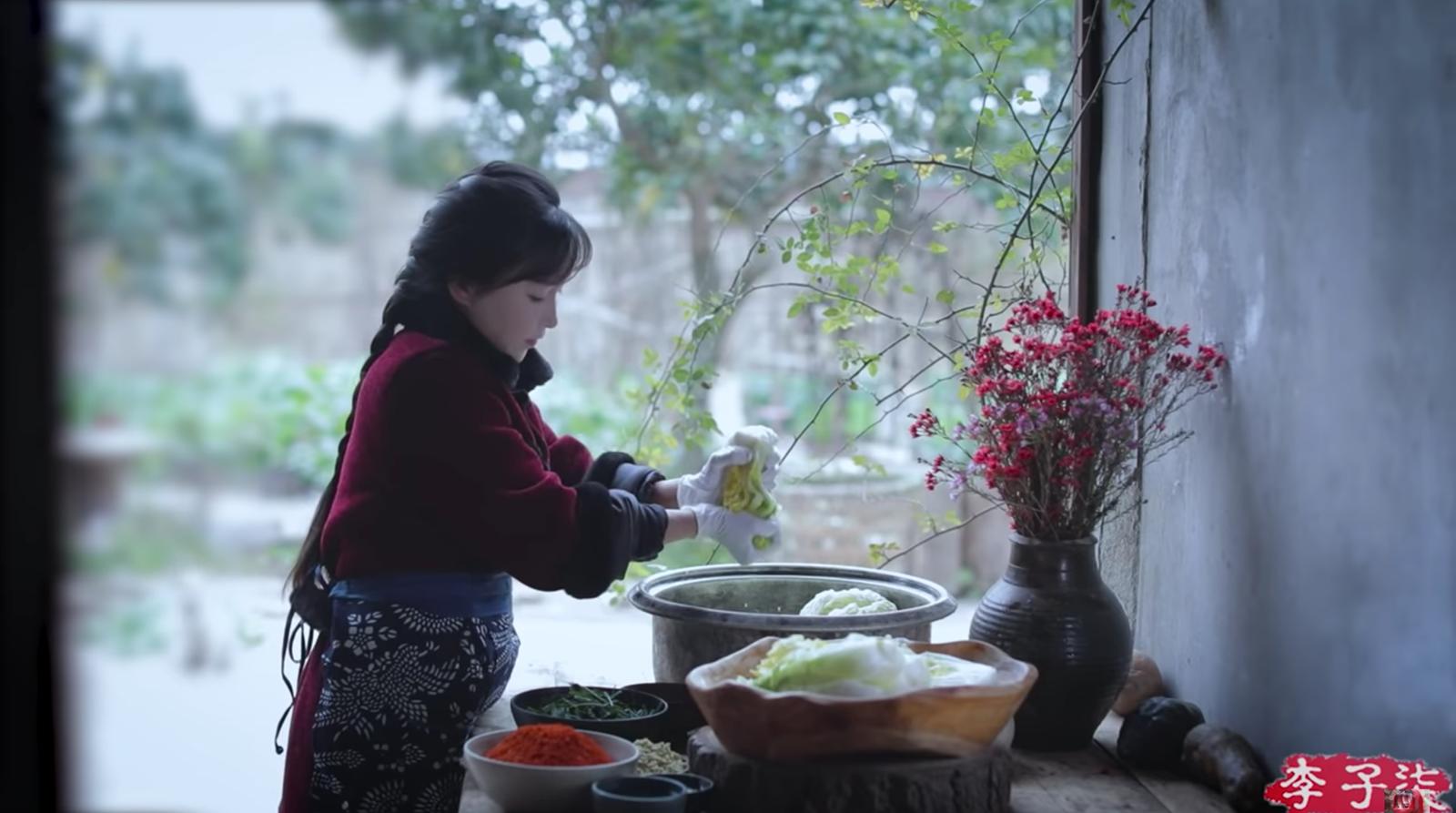 Lý Tử Thất gây tranh cãi khi dùng kim chi nấu ăn nhưng vẫn ghi là ẩm thực Trung Quốc? - Ảnh 3.