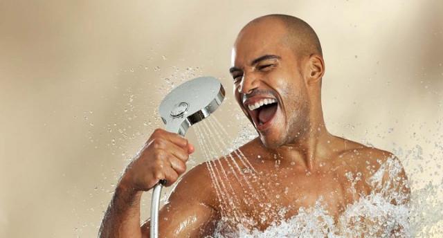 Tắm nước nóng vào mùa đông tưởng là tốt hóa ra cũng dễ gây hại nếu tắm sai cách và cách tắm nước nóng tốt cho sức khỏe - Ảnh 2.