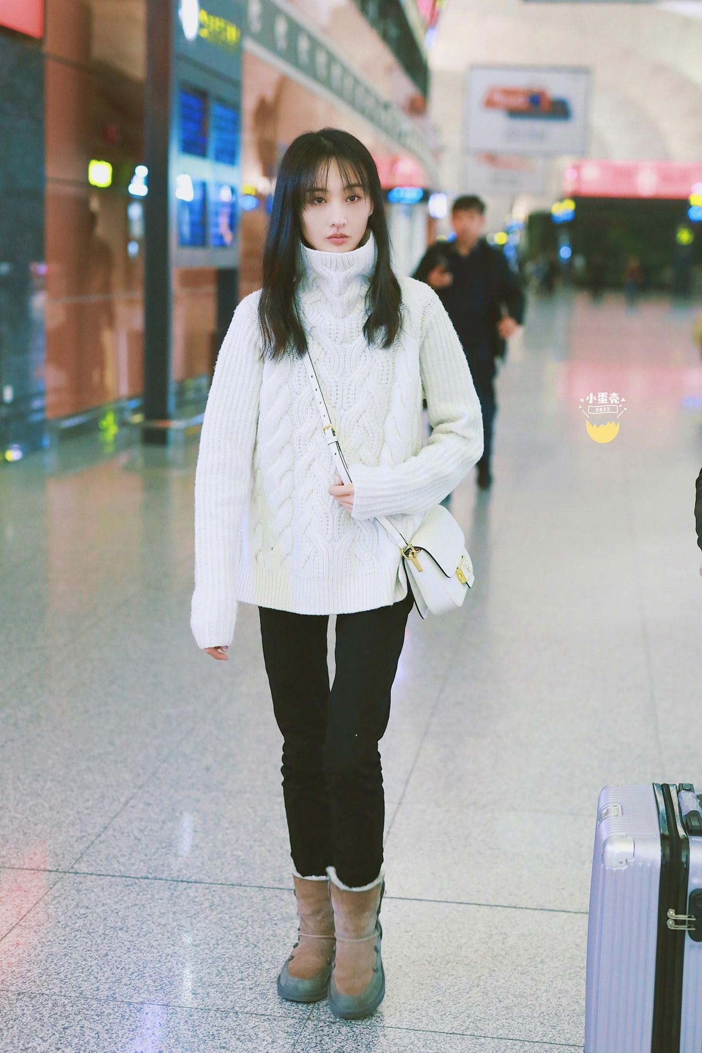 Fan soi ra chi tiết bất thường trong thời gian bị đồn mang thai của Trịnh Sảng, trang phục đã nói lên tất cả - Ảnh 6.
