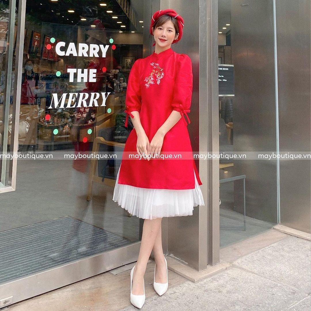 8 mẫu áo dài đỏ từ 450k nổi bật và tươi tắn hết sức để diện dịp đón năm mới - Ảnh 3.