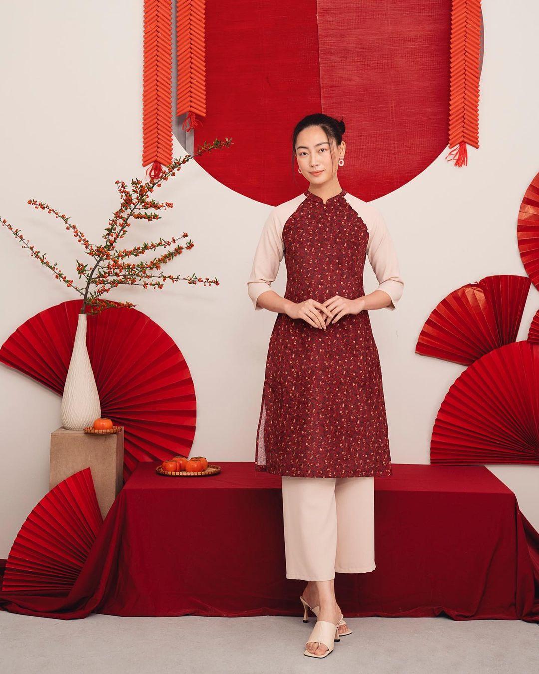 8 mẫu áo dài đỏ từ 450k nổi bật và tươi tắn hết sức để diện dịp đón năm mới - Ảnh 9.
