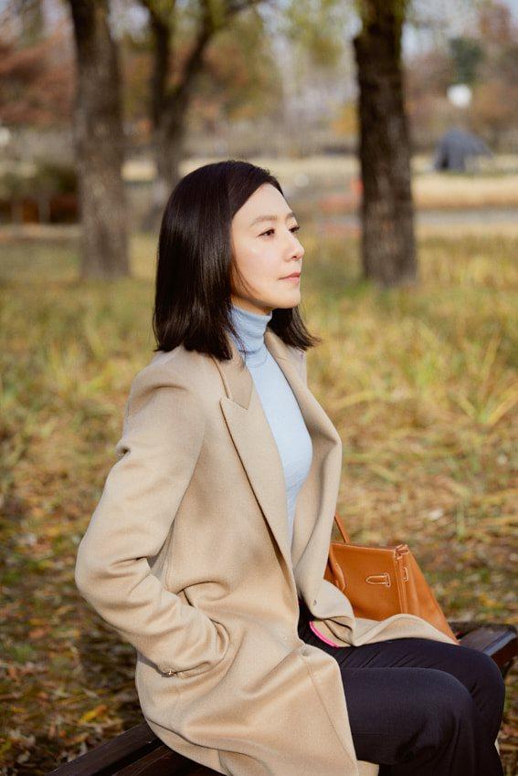 """Mix & Phối - Nàng công sở ngoài 30 học lỏm được 4 điều """"thầm kín"""" từ phong cách của 2 chị vợ cao tay chuyên trị tiểu tam trong phim Hàn - chanvaydep.net 2"""
