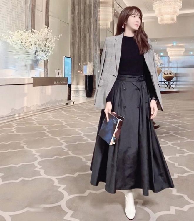 """Mix & Phối - Nàng công sở ngoài 30 học lỏm được 4 điều """"thầm kín"""" từ phong cách của 2 chị vợ cao tay chuyên trị tiểu tam trong phim Hàn - chanvaydep.net 3"""