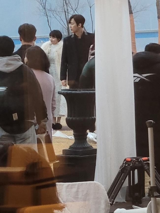 Cuộc chiến thượng lưu lộ phần 2: Dàn rich kids đến dự đám cưới của Seo Jin - Ju Dan Tae, Seokkyung chiếm spotlight vì quá xinh - Ảnh 6.