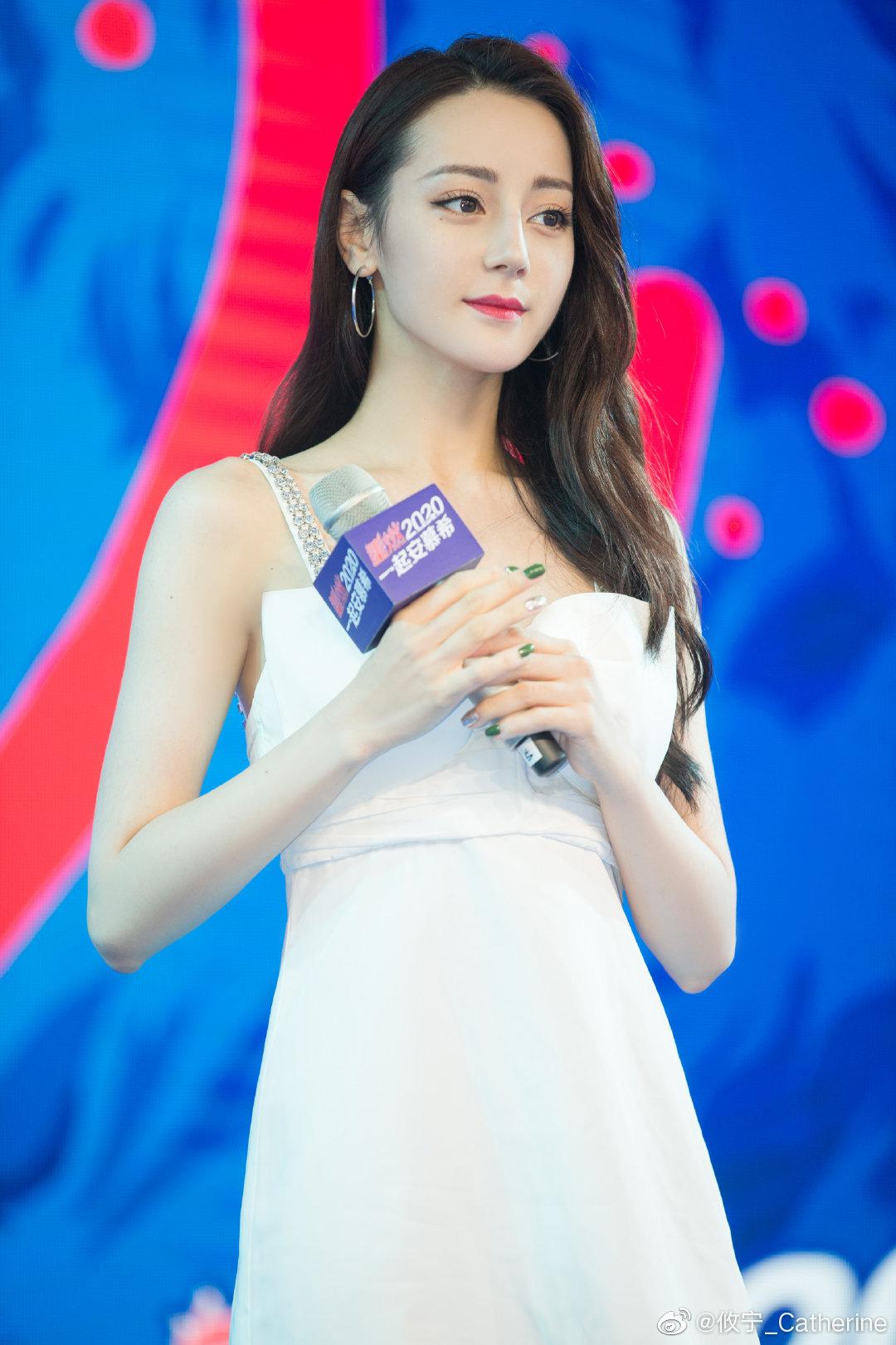 """Đúng là """"idol đẹp như Hoa hậu"""": Jisoo lấn át Nhiệt Ba khi đụng hàng, còn khơi lại vụ diện đồ nhái của Lan Ngọc - Ảnh 5."""