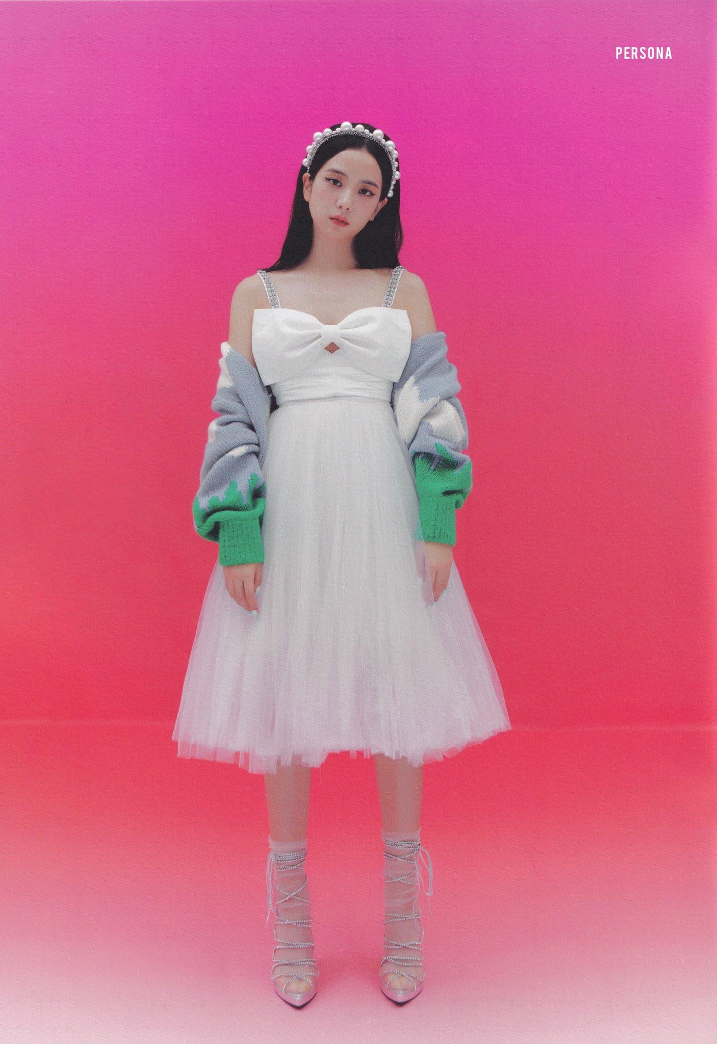 """Đúng là """"idol đẹp như Hoa hậu"""": Jisoo lấn át Nhiệt Ba khi đụng hàng, còn khơi lại vụ diện đồ nhái của Lan Ngọc - Ảnh 3."""