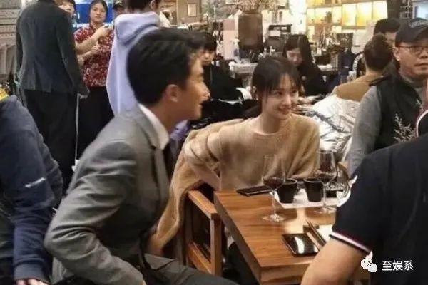 """""""Kim Chủ"""" siêu giàu đứng sau Trịnh Sảng xuất hiện: Lộ bí mật vì sao diễn tệ, nhiều scandal mà Trịnh Sảng vẫn hạng A - Ảnh 4."""