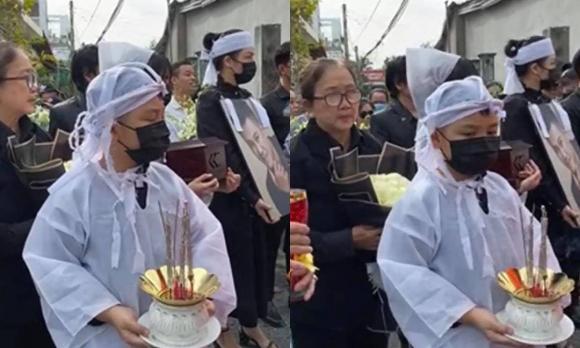 Lễ an táng Vân Quang Long tại quê nhà Đồng Tháp: Vợ cũ Ái Vân đeo tang cùng bố mẹ nam ca sĩ lo hậu sự, vợ 2 Linh Lan vắng mặt - Ảnh 6.