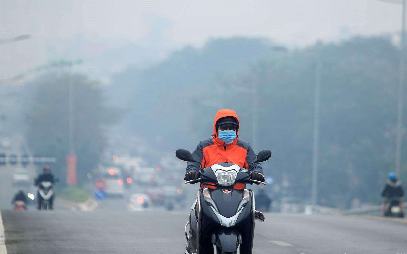 """Miền Bắc chấm dứt rét đậm, rét hại kéo dài hơn nửa tháng nhưng lại đón """"mùa ô nhiễm không khí"""" quay trở lại"""