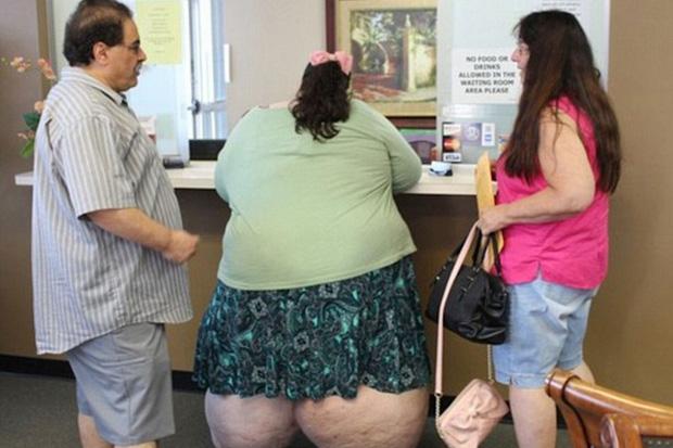 Ăn vô tội vạ đến mức nặng gần 300kg, phải lên máy bay bằng xe đẩy hàng, cô gái tủi nhục quyết tâm giảm cân để 5 năm sau ai cũng sốc khi nhìn thấy diện mạo ấy - Ảnh 5.