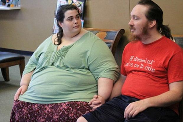 Ăn vô tội vạ đến mức nặng gần 300kg, phải lên máy bay bằng xe đẩy hàng, cô gái tủi nhục quyết tâm giảm cân để 5 năm sau ai cũng sốc khi nhìn thấy diện mạo ấy - Ảnh 6.