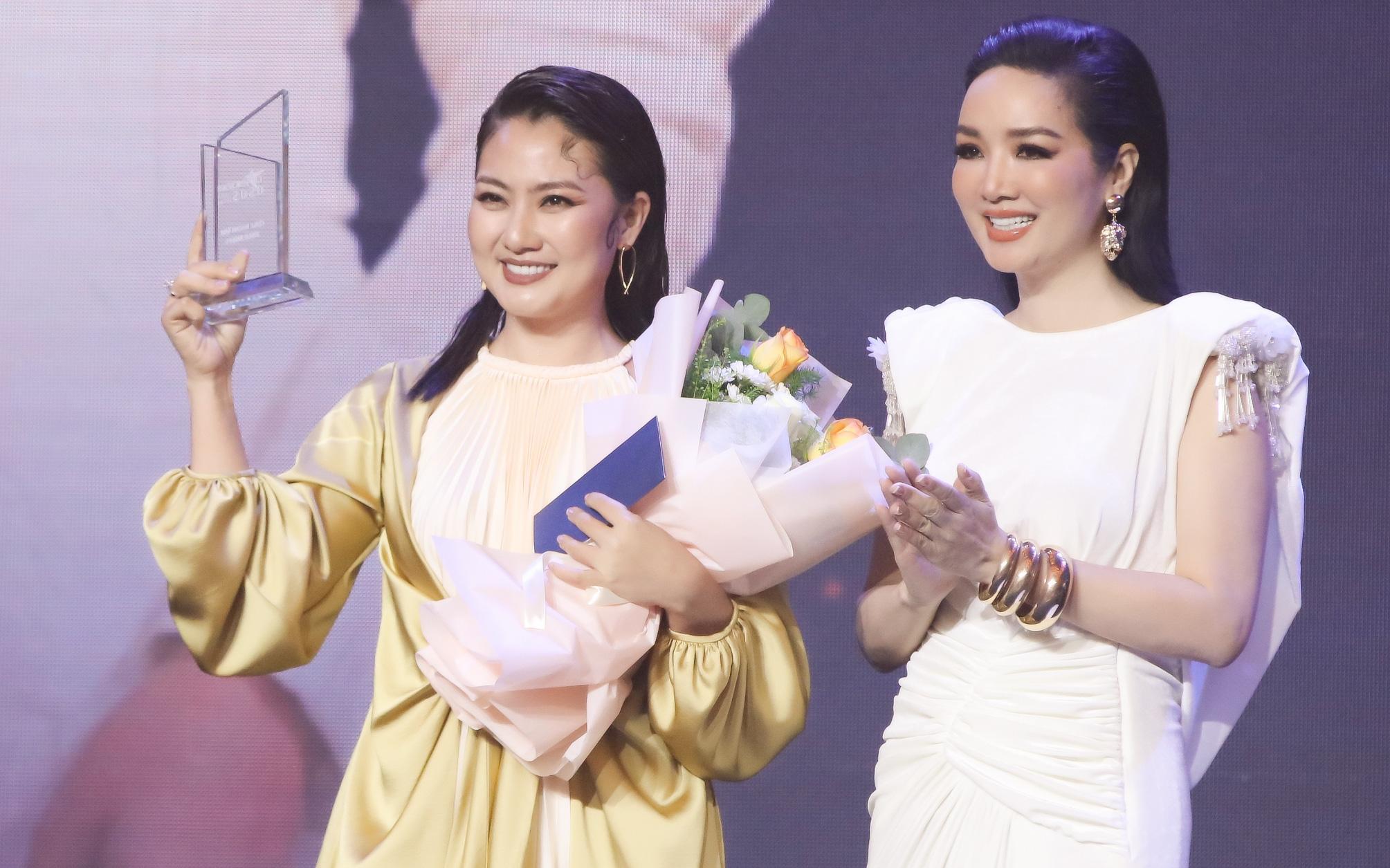 Cuối năm, Ngọc Lan bội thu giải thưởng nhờ vai phản diện trong phim VTV