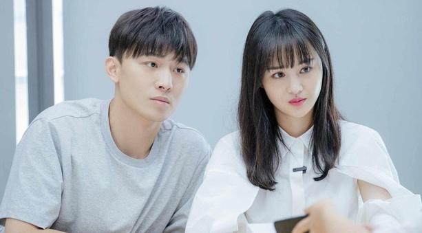 Netizen đào bới cảnh gây sốc: Trương Hằng ôm bụng bầu, van xin Trịnh Sảng đừng đi trên sóng truyền hình - Ảnh 3.