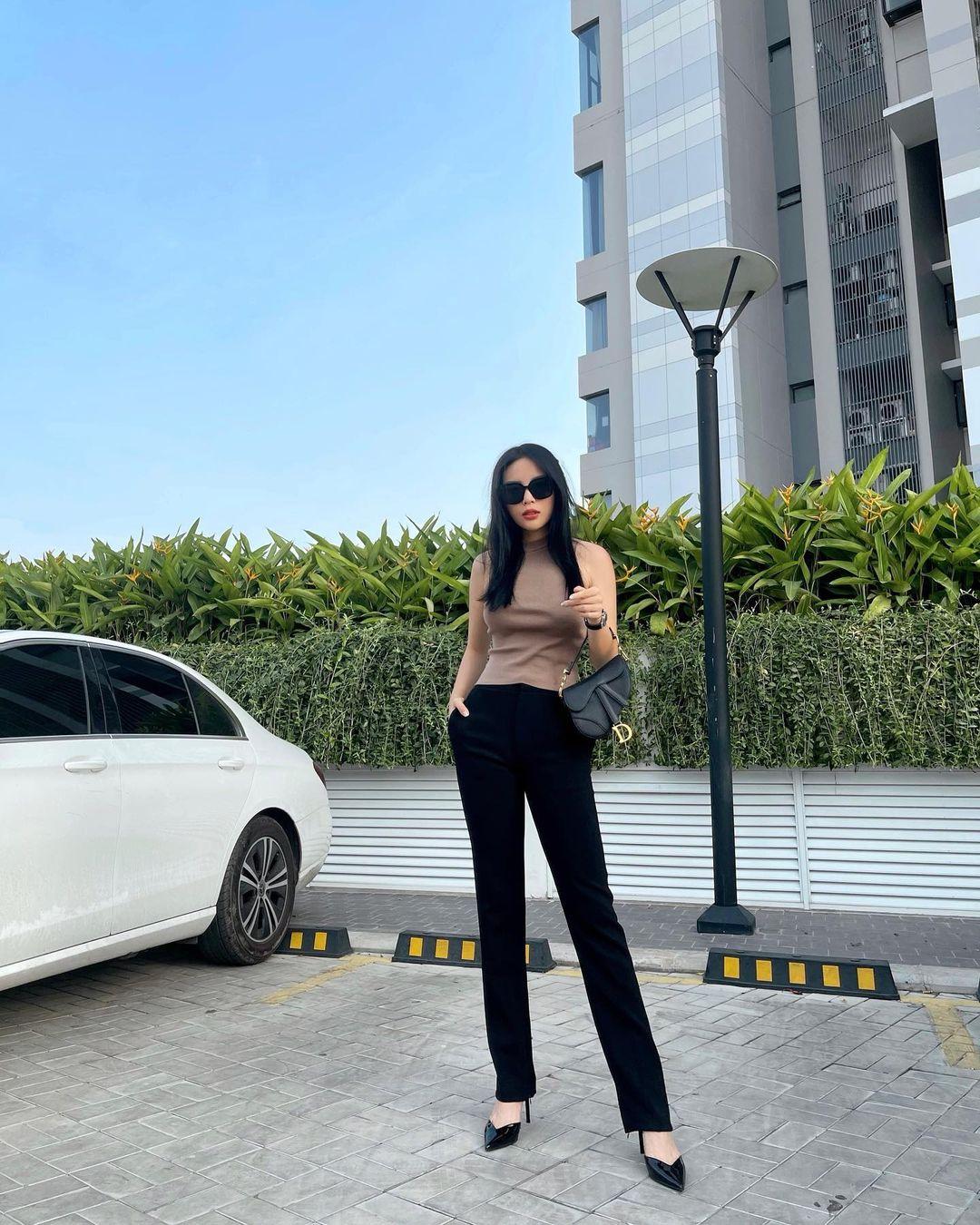 Instagram look của sao Việt tuần qua: Đại hội khoe eo của Thiều Bảo Trâm, Chi Pu, Lan Ngọc - Ảnh 6.