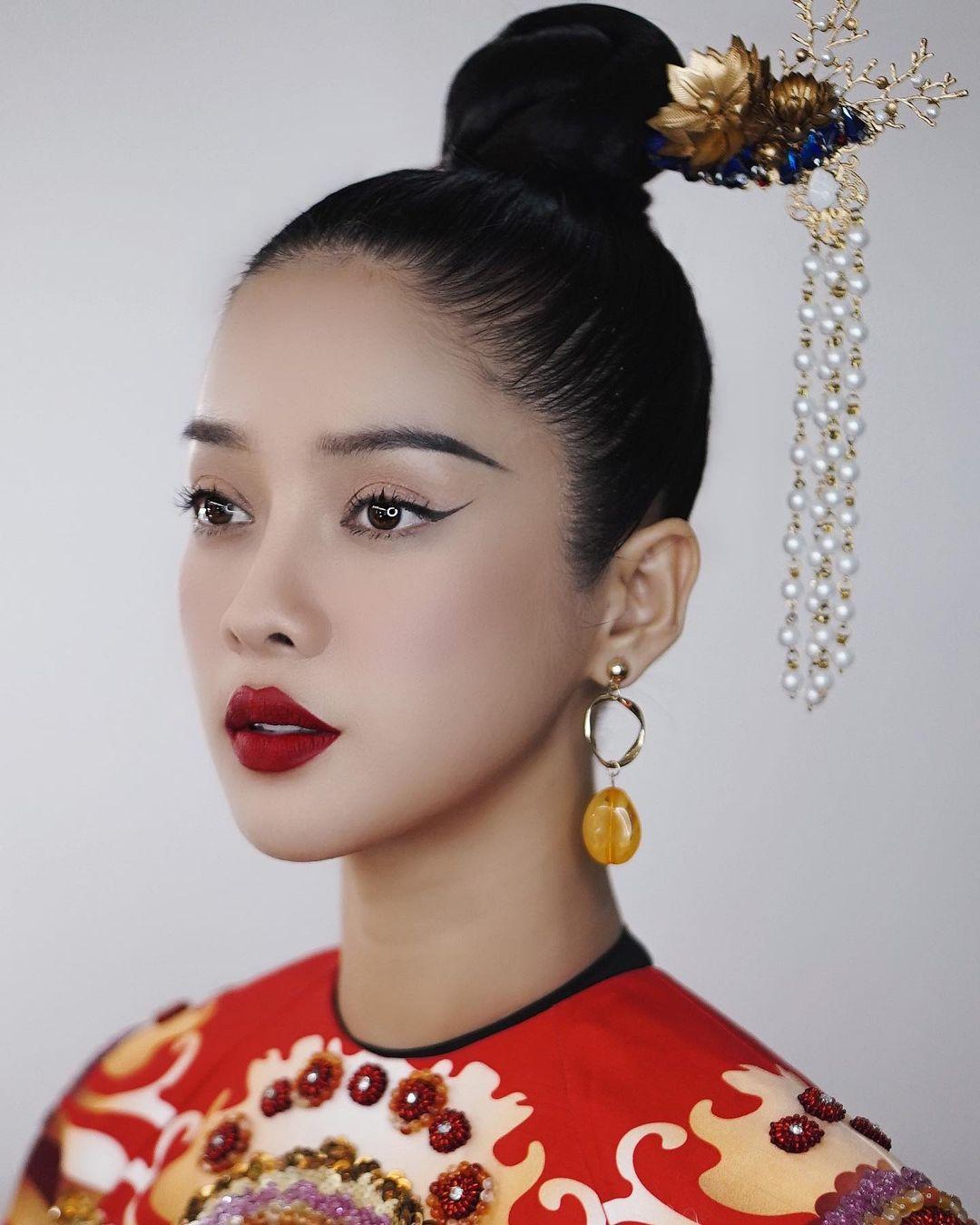 """Diện áo dài cách tân đẹp thấy mê tại thảm đỏ WeChoice, cô nàng này đã """"chiếm sóng"""" dù chẳng lộng lẫy cầu kỳ như bao người - Ảnh 5."""