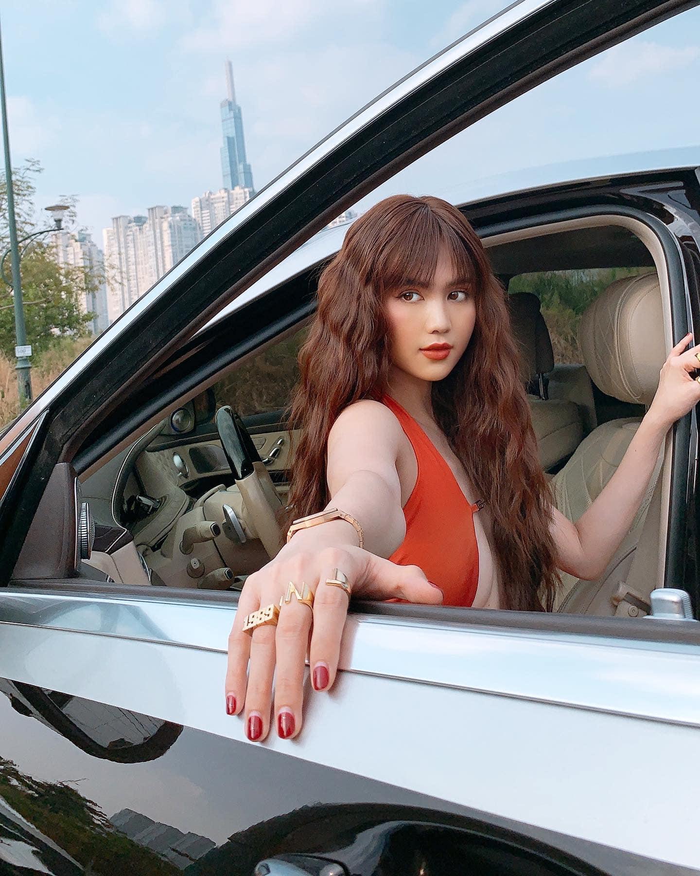 """Để nail hot trend giống Jisoo, Ngọc Trinh lại nhận """"cái kết đắng"""" đến mức phải lên tiếng thanh minh thanh nga tức thì - Ảnh 2."""
