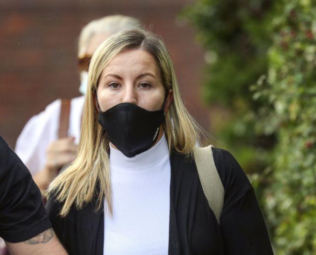 Nữ giáo viên bị cáo buộc quan hệ với học sinh trong xe ô tô, xem tin nhắn và hình ảnh được gửi trong điện thoại mới thật hết hồn - Ảnh 1.