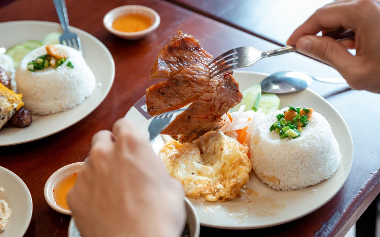 Gợi ý các mẹ đổi món cuối tuần tại loạt quán ăn Nhật, Hàn, Mỹ, Việt có giá siêu ưu đãi!