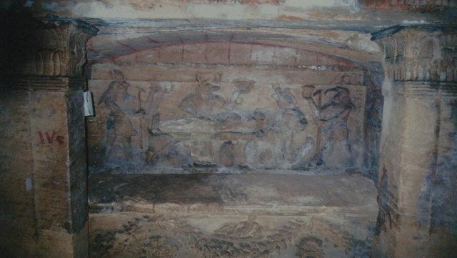Đang kéo xe chở đá nặng, con lừa khốn khổ bị rơi xuống cái hố nào ngờ nhờ đó mà phát hiện ra công trình lịch sử đồ sộ gây choáng ngợp cho bất kỳ ai bước vào - Ảnh 2.