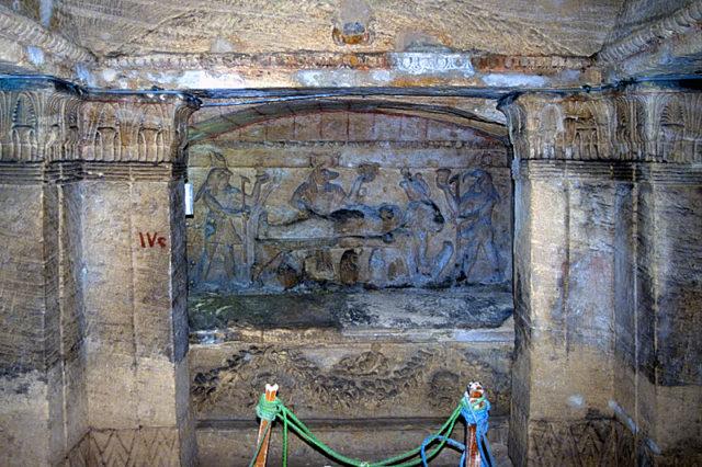 Đang kéo xe chở đá nặng, con lừa khốn khổ bị rơi xuống cái hố nào ngờ nhờ đó mà phát hiện ra công trình lịch sử đồ sộ gây choáng ngợp cho bất kỳ ai bước vào - Ảnh 5.