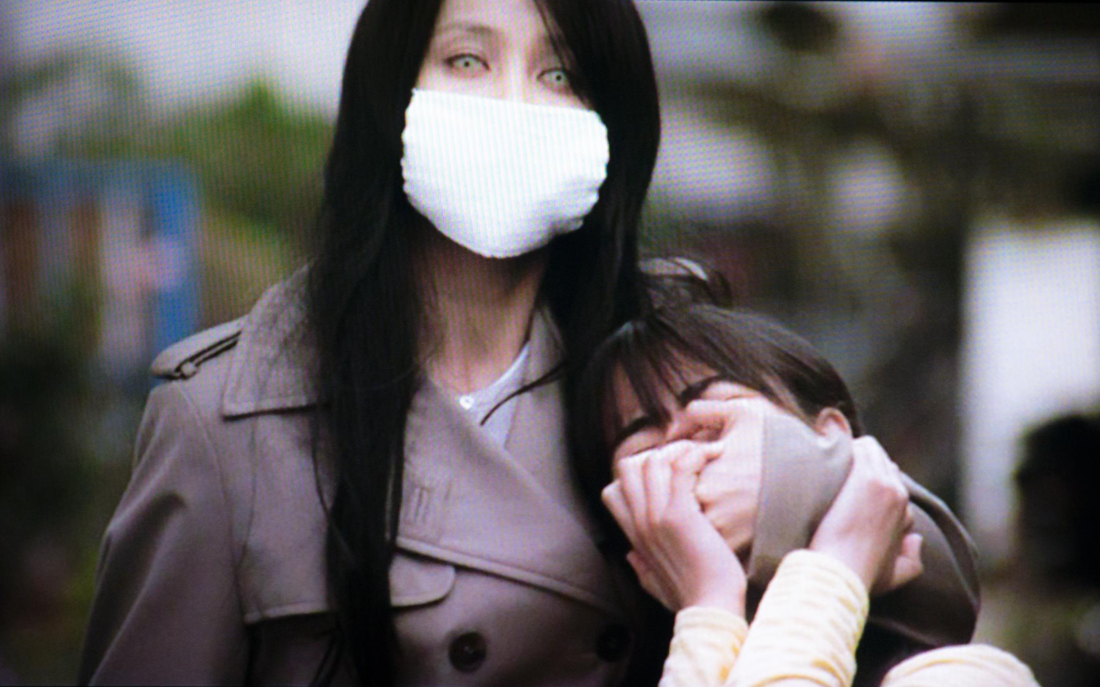 """Truyền thuyết đô thị Nhật Bản: Người đàn bà đeo khẩu trang ám ảnh trẻ con với câu hỏi """"Ta có đẹp không?"""" và câu trả lời định đoạt số phận nạn nhân"""