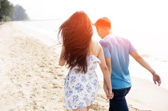 """Bị """"bạn trai thanh xuân"""" cắm sừng, cô gái lên kế hoạch """"trả đũa"""" đầy thâm thúy với lời nhắn nhủ: """"Chúng ta của hiện tại – không ngần ngại đá nhau"""" - Ảnh 1."""