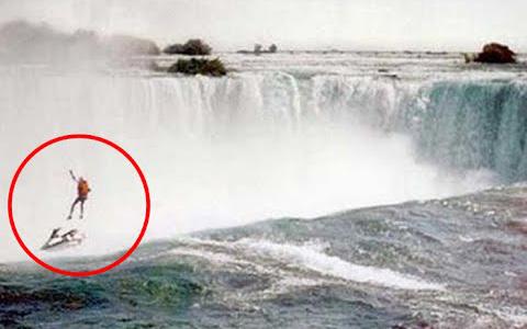 Khoảnh khắc gây ám ảnh hơn 20 năm về trước: Người đàn ông liều lĩnh trình diễn ở thác nước để làm từ thiện rồi gặp nạn chỉ vì 1 sai lầm nhỏ