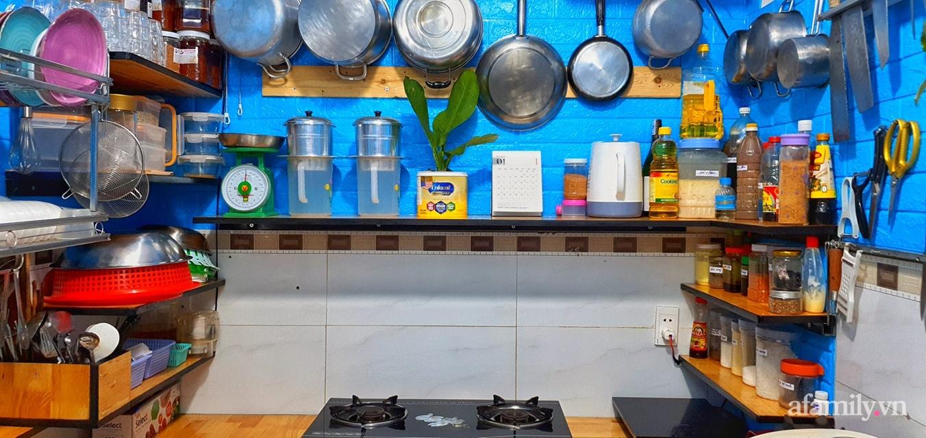 """Căn bếp 5m² luôn gọn sạch, thơm tho nhờ bí quyết """"nhỏ nhưng có võ"""" của ông bố trẻ Sài Gòn - Ảnh 4."""