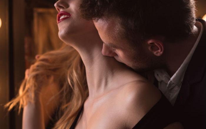 Khi hôn nhất định cần tránh 2 khu vực này, tuy mang lại hưng phấn nhưng có thể gây suy giảm thính lực, thậm chí tử vong