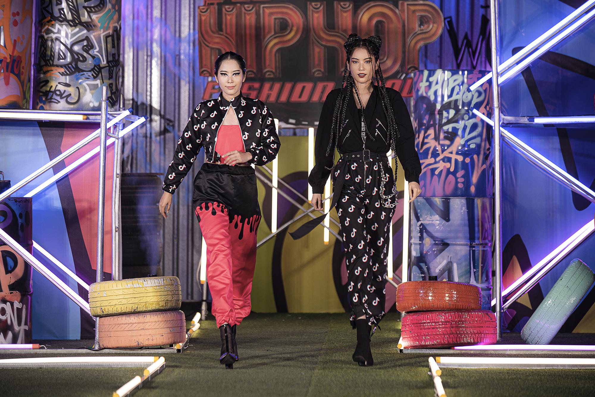 Lãnh Thanh chăm chú xem Nam Em catwalk, mẫu tây Anna lần đầu xuất hiện sau scandal đánh ghen  - Ảnh 3.