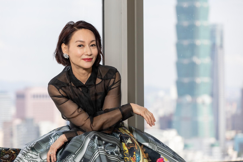 Mỹ nhân Hong Kong đã 60 tuổi làn da vẫn đẹp nuột nà nhờ 2 nguyên liệu làm đẹp đơn giản, rẻ tiền ai cũng có thể học theo - Ảnh 2.