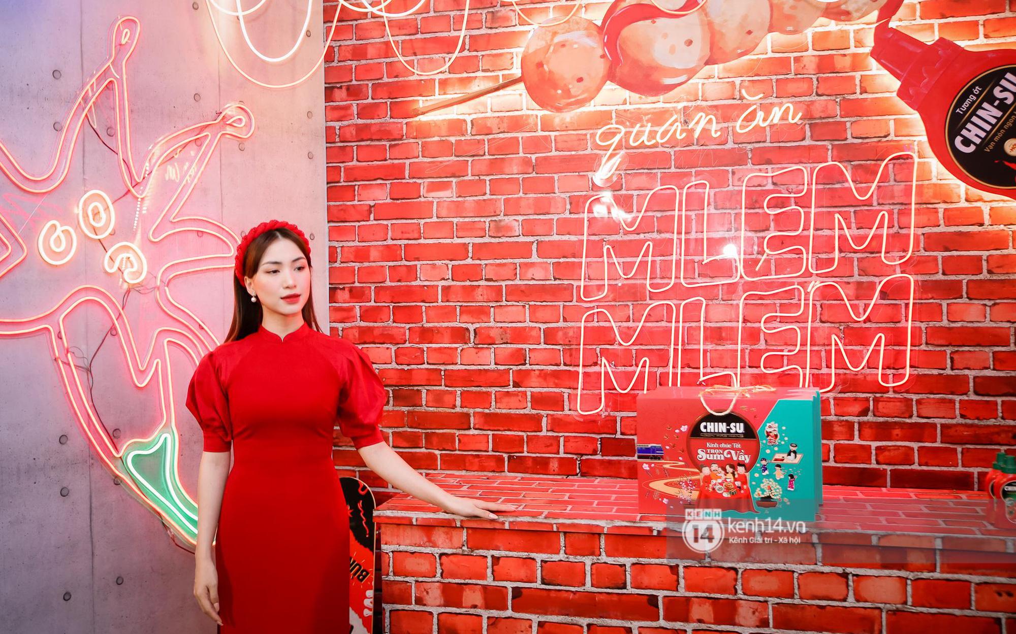 Giới trẻ phấn khích chờ đợi Hòa Minzy quẩy hết mình ngày kết thúc Lễ hội Tết Việt