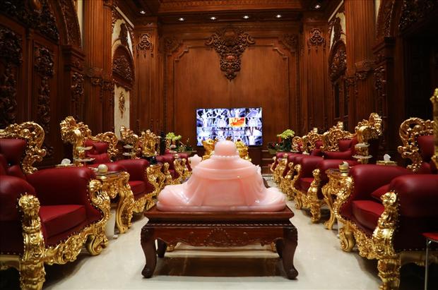 Cận cảnh phòng giặt đồ cao cấp cho đại gia trong lâu đài mạ vàng gây choáng ở Ninh Bình: Có giá bằng cả căn nhà của người bình thường - Ảnh 5.