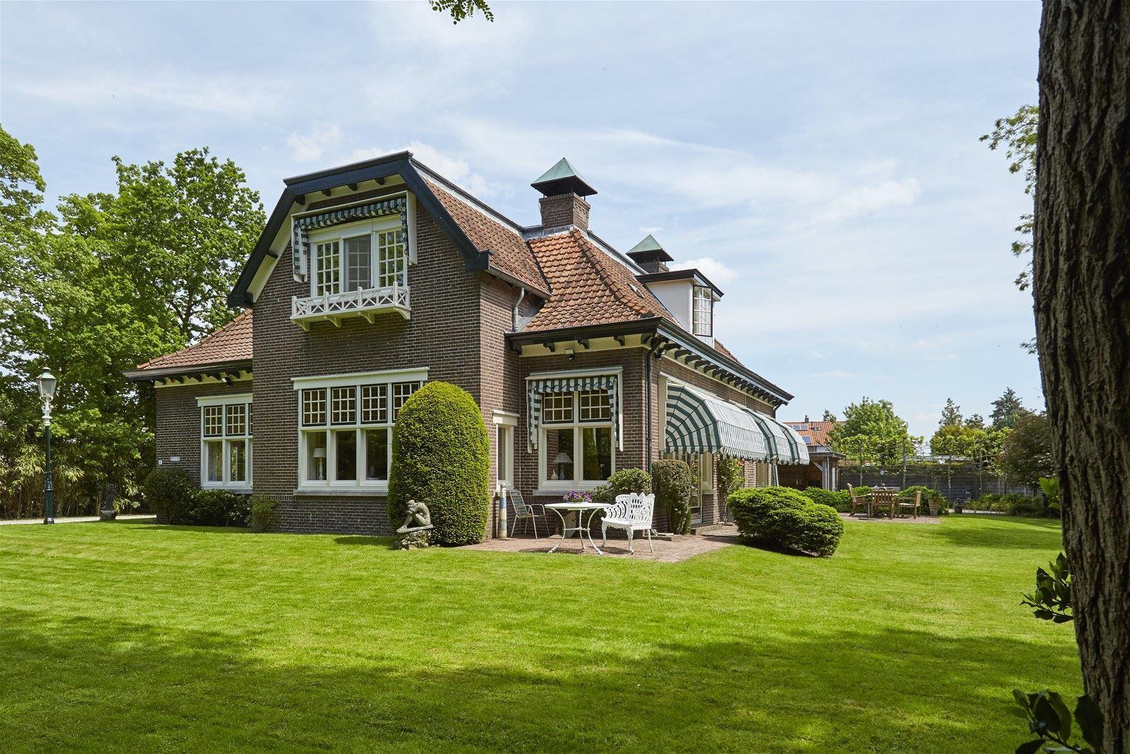 Nhà ở quê đẹp yên bình với những khoảng không gian ngập tràn ánh sáng - Ảnh 5.