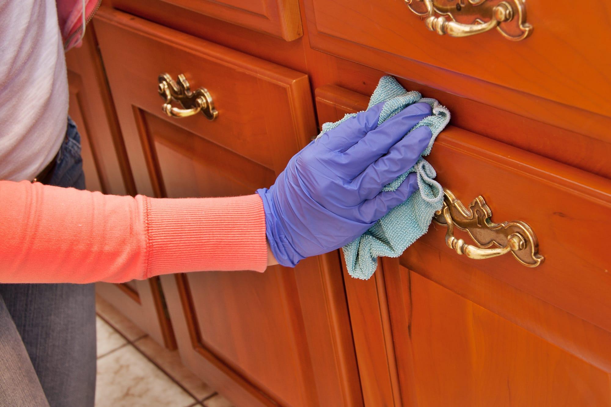 Bí kíp dọn dẹp phòng khách ngày Tết cực nhanh mà lại sạch bóng - Ảnh 4.